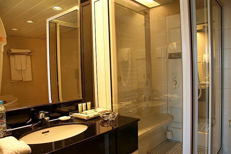豪华套间-洗手间